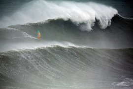Red Bull Windsurf - Gearminded.com