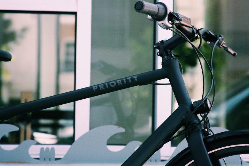 Priority Continuum Onyx commuter bike